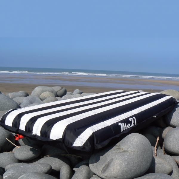Lightweight Pacer Surfmat - super lightweight deck and bottom. The point break specialist model
